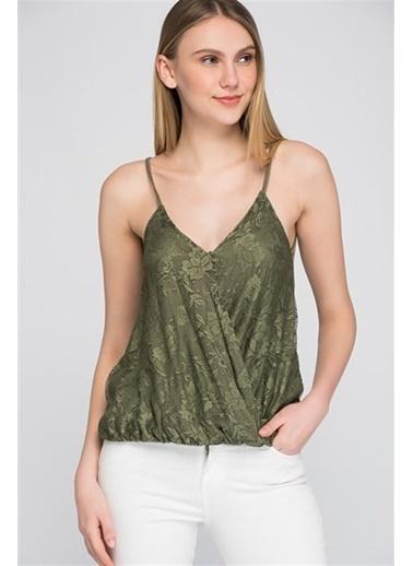 Cottonmood 8094284 Önü Dantelli Kruvaze Askılı Bluz Kirmizi Haki